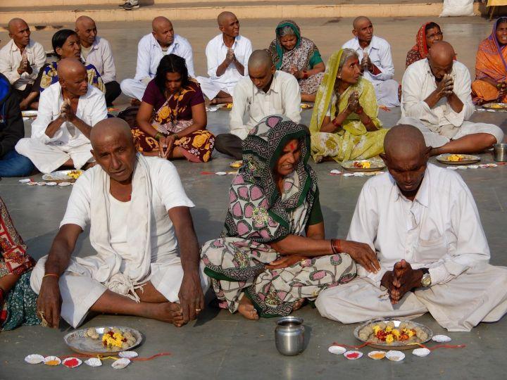 Grupo de oferentes, Benarés, Varanasi, India
