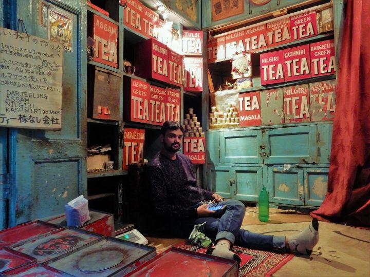 Tienda de té en Benarés, Varanasi, India