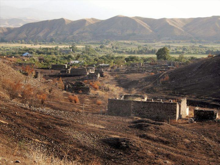 PEDALEANDO ALTO KARABAJ, Pueblo de Mijnavan