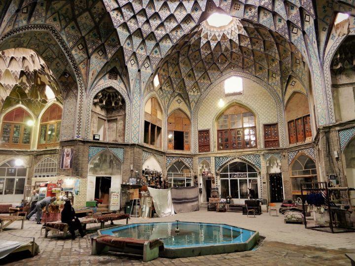 Cúpulas en bazar, Kashan, Iran