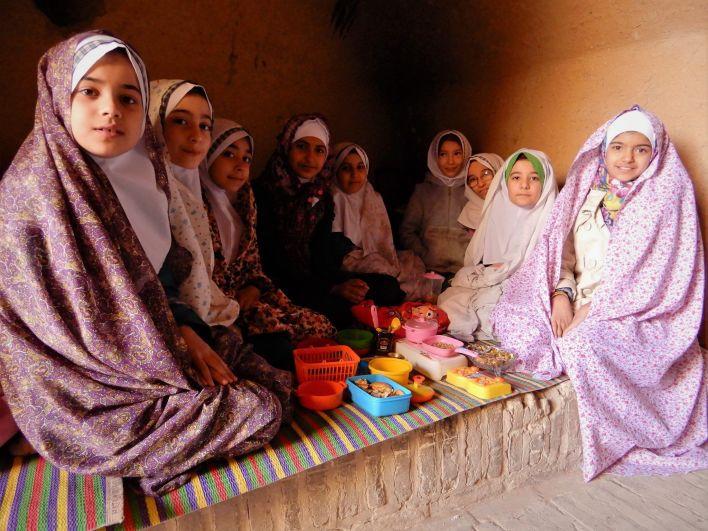 Escolares femeninas, Yazd, Iran