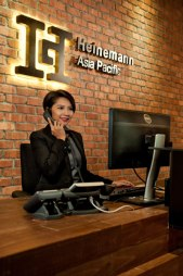 Singapore-corporate-lifestyle-photography-Heinemann-13