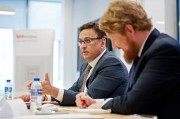 singapore-corporate-events-photography-round-table-discussion-wespac-04