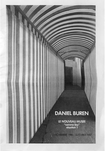 Daniel Buren, Le Nouveau Musée « Comme lieu » situation 1 15 novembre 1986 au 15 février 1987, 12 pages illustrées, français, Édité par Le Nouveau Musée Courtesy Institut d'art contemporain, Villeurbanne/Rhône-Alpes