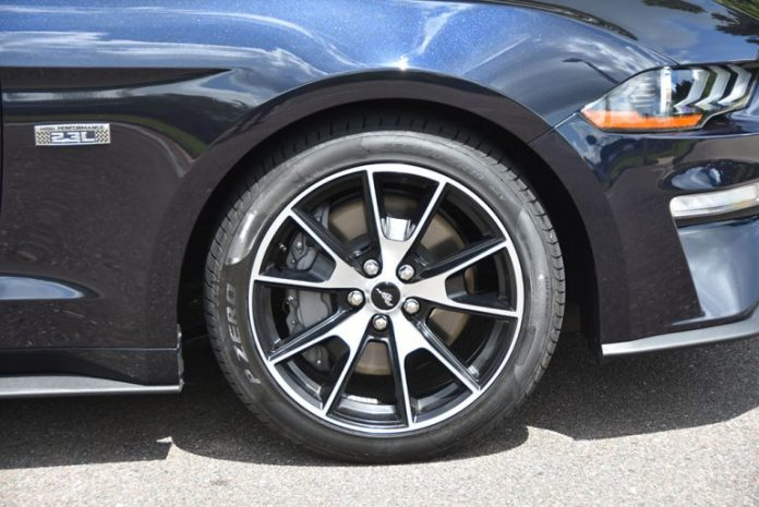 2021 ford mustang convertible ecoboost hpp 19-inch wheels tires
