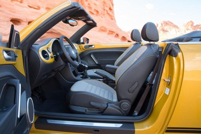 2016-Volkswagen-Beetle-Dune-2-900x600
