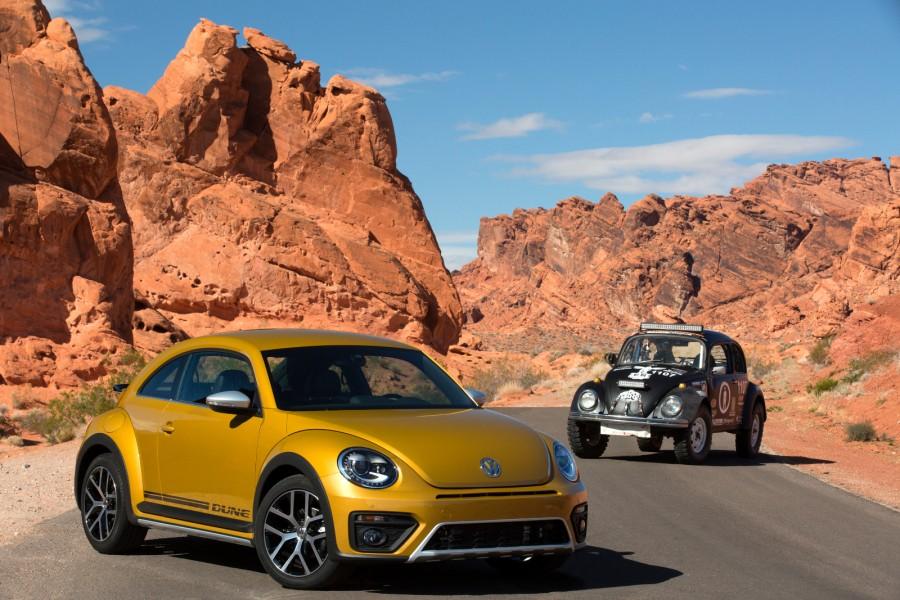 2016-Volkswagen-Beetle-Dune-7-900x600