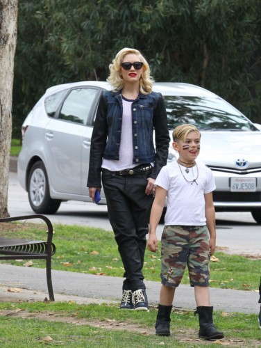 24-gwen-stefani-kingston-rossdale-h724