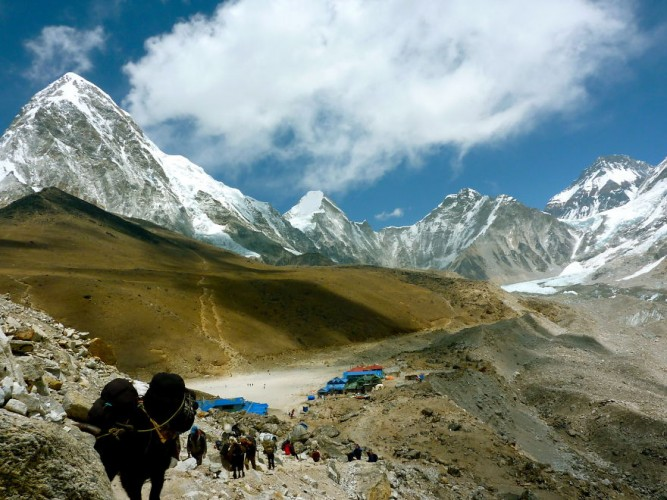 Experience-the-Everest-Base-Camp-Trek-in-25-Photos18__880