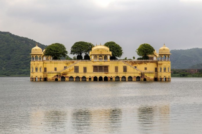 Jal_Mahal_in_Man_Sagar_Lake