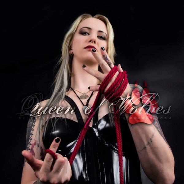 DE3TiEzXkAIW7Iw - Mistress Profiles : Ms Aleera