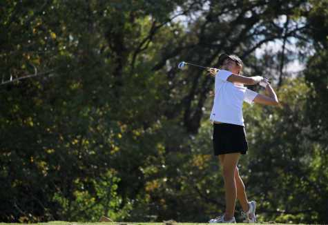 Golf begins season 2-0 despite fewer players