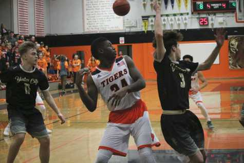 BASKETBALL: Boys participate in second pre-season tournament