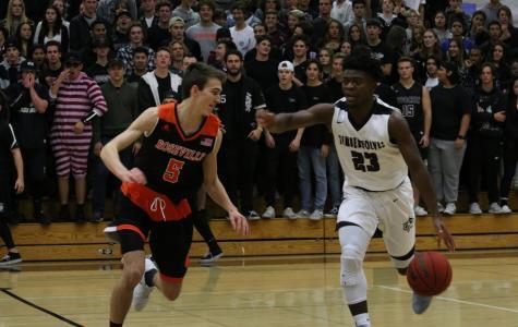Boys Basketball falls to Antelope