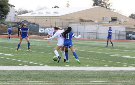 Girls soccer defeats Rocklin, advances to section finals