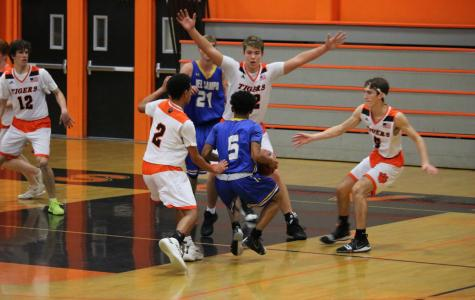 Boys basketball gets revenge on Yuba City Honkers