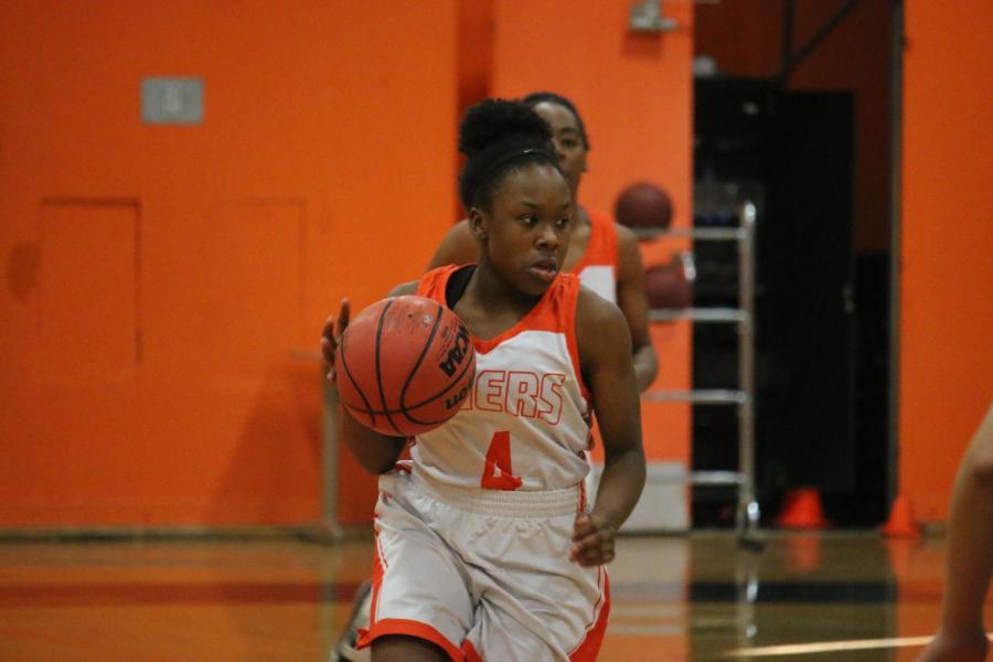 Girls basketball burns Yuba City with hot hands