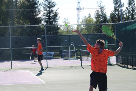 RHS Tennis competes in CVC wide tournament