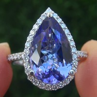 A Gorgeous GIA Certified 4.60 ct VVS Natural Tanzanite Diamond 14k White Gold Estate Ring