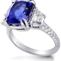 A Gorgeous GIA 7.8 Ctw Tanzanite Side Diamonds Engagement 3 Stone Ring Set in Platinum