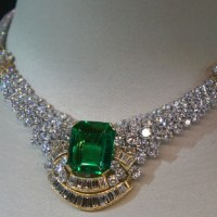 Christie's Dubai - White Diamond Necklace, with Emerald Centerstone