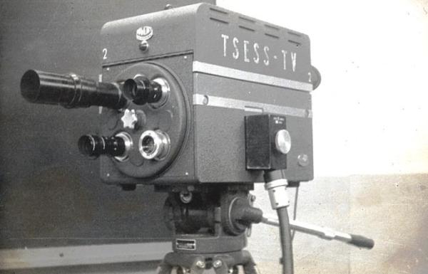 1943-DuMont-Camera