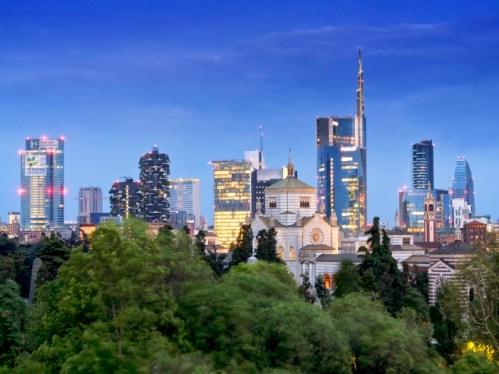 Laura Zulian Milano Skyline