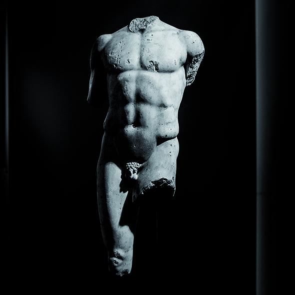 2) Torso di giovane, (I sec. d.C.), marmo (Milano, Civico Museo Archeologico, inv. A 0.9.1163)