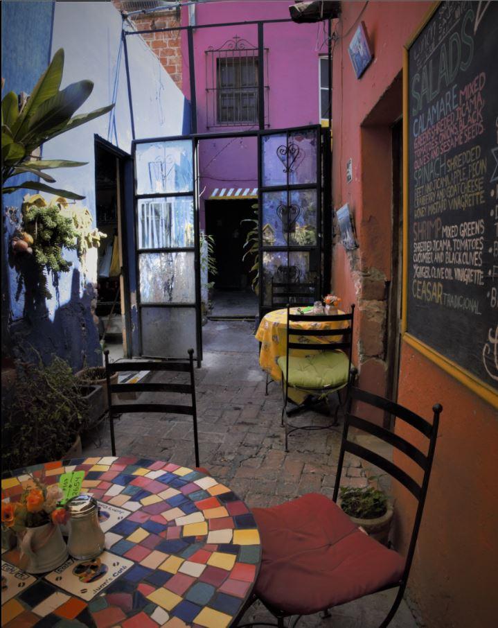 Jauns Cafe