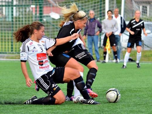 Sophie Sörqvist demonstrerar sin fighting spirit. Det var tufft och hårt, men det blev tyvärr inga poäng då Söder Dam mötte Västerså BK30. (Foto: Västerås BK30:s hemsida).