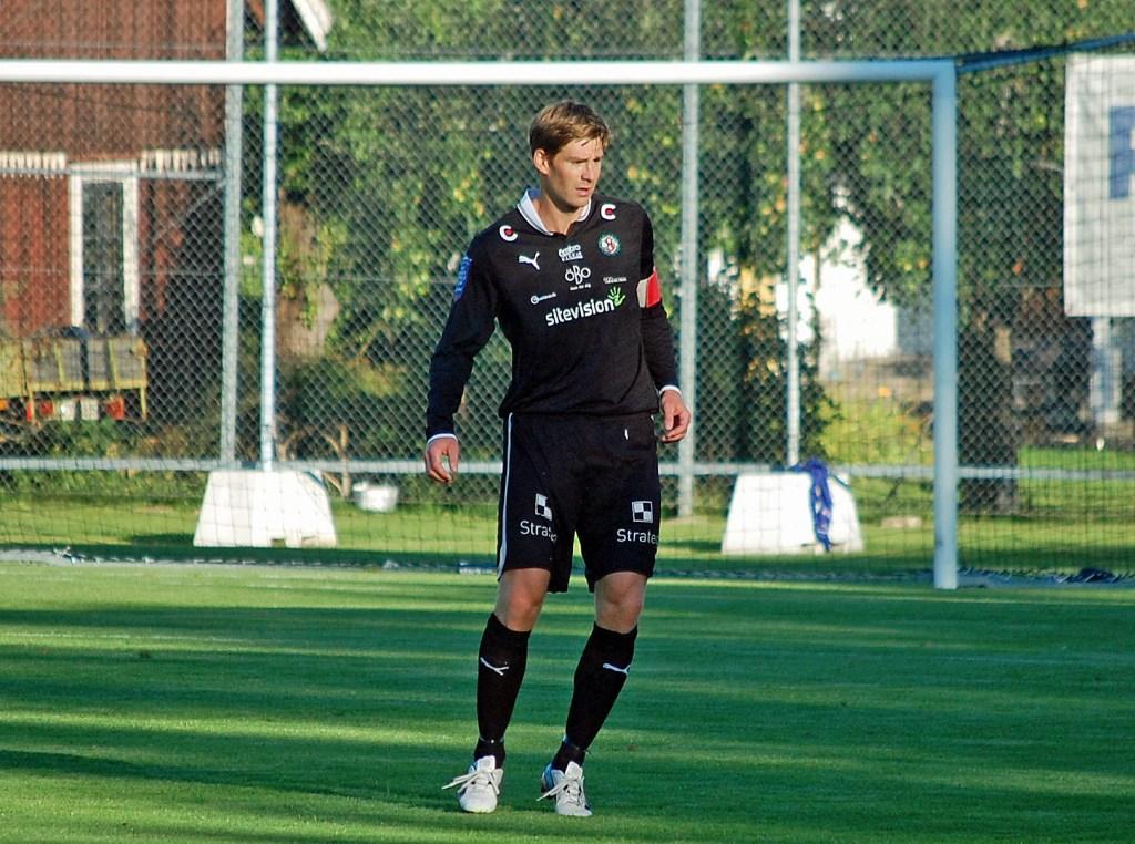 Magnus Wikström avslutar sin karriär hos ÖSK.