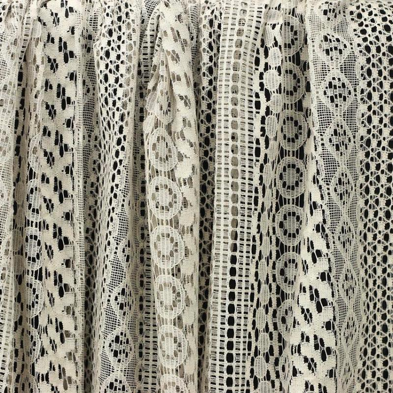 tissu dentelle de coton Shanon Taupe © Eyrelles Tissus