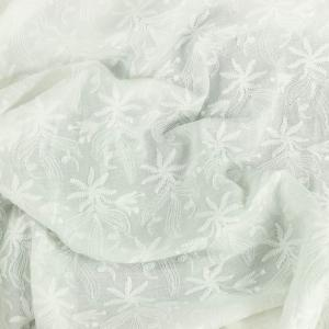 Tissu broderie anglaise Amber Blanc 100% coton © Eyrelles Tissus