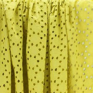 Tissu broderie anglaise Taylor jaune 100% coton © Eyrelles Tissus