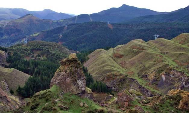 Pedalear duro por los montes de Triano