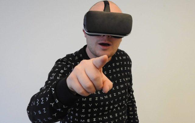 Conhecendo as tecnologias VR e AR e suas implementações