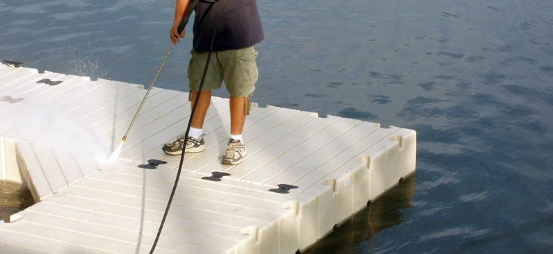 floating docks - Powerwashing