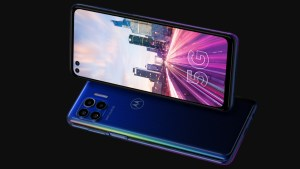 The Motorola One 5G UW is Verizon's Midrange Push For Ultra Wideband