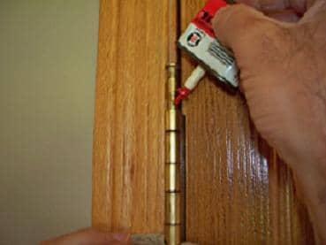door installation problems, squeaky hinge