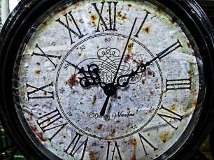 artistic-clock-face_linnaea-mallette