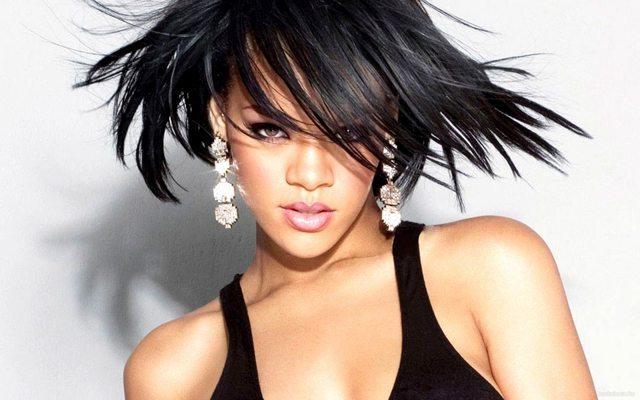 Rihanna_8a