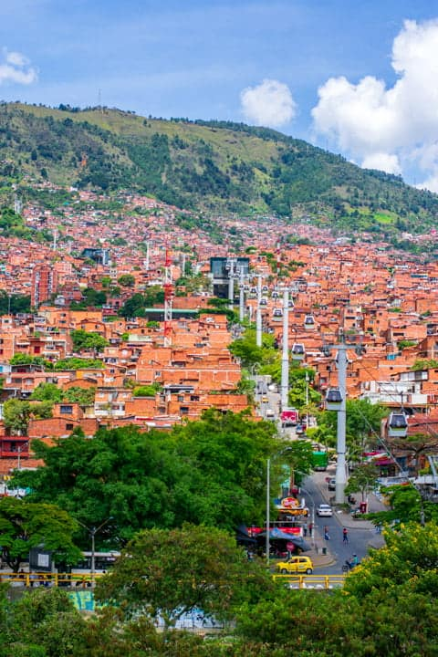 medellin travel cable