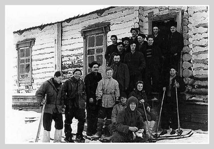 Группа Дятлова в поселке Вижай. Тайна перевала Дятлова