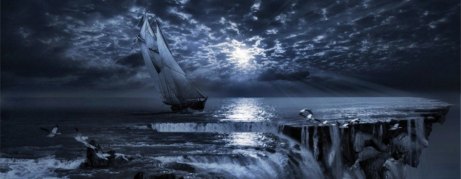 В Бермудском треугольнике всплыло загадочное судно