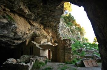 Загадки древней пещеры в Греции