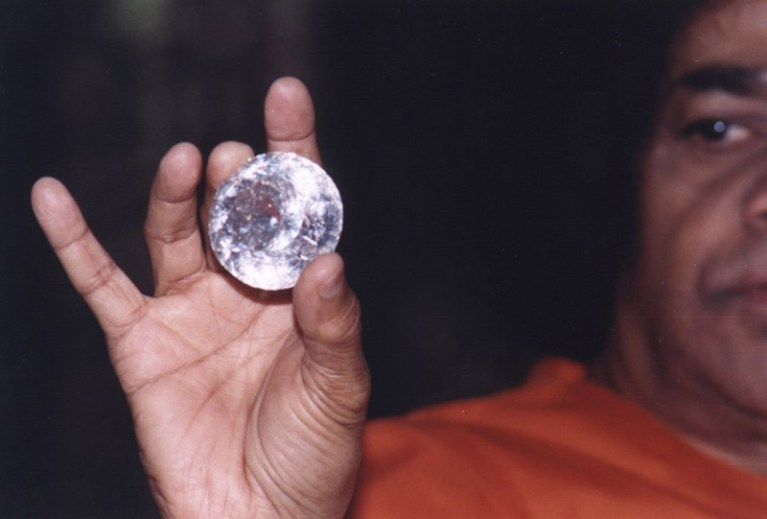 Обзор. Кто такой индийский гуру Саи Баба