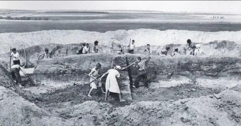 Археологические раскопки на юге России. Древняя катакомба