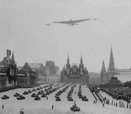 Катастрофа самолета Максим Горький. Мертвая петля для Сталина