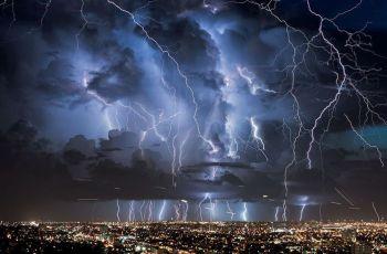 Венесуэла - Река Кататумбо. Бесконечные молнии в аномальной зоне