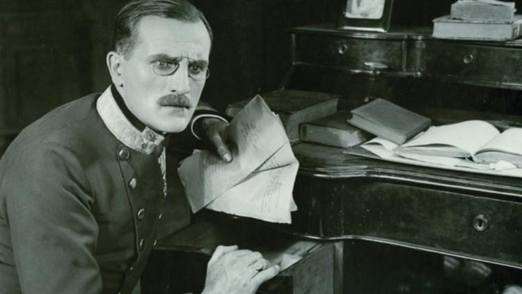 Руководил военной контрразведкой Австро-Венгрии в преддверии Первой мировой войны, славился внедрением в разведывательную практику передовых технических средств, однако в историю шпионажа вошёл как один из самых известных двойных агентов того времени